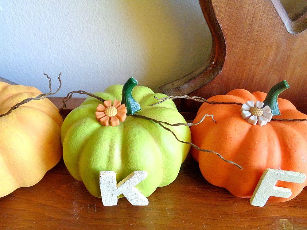 Bright Thankful Pumpkin Home Decor - top
