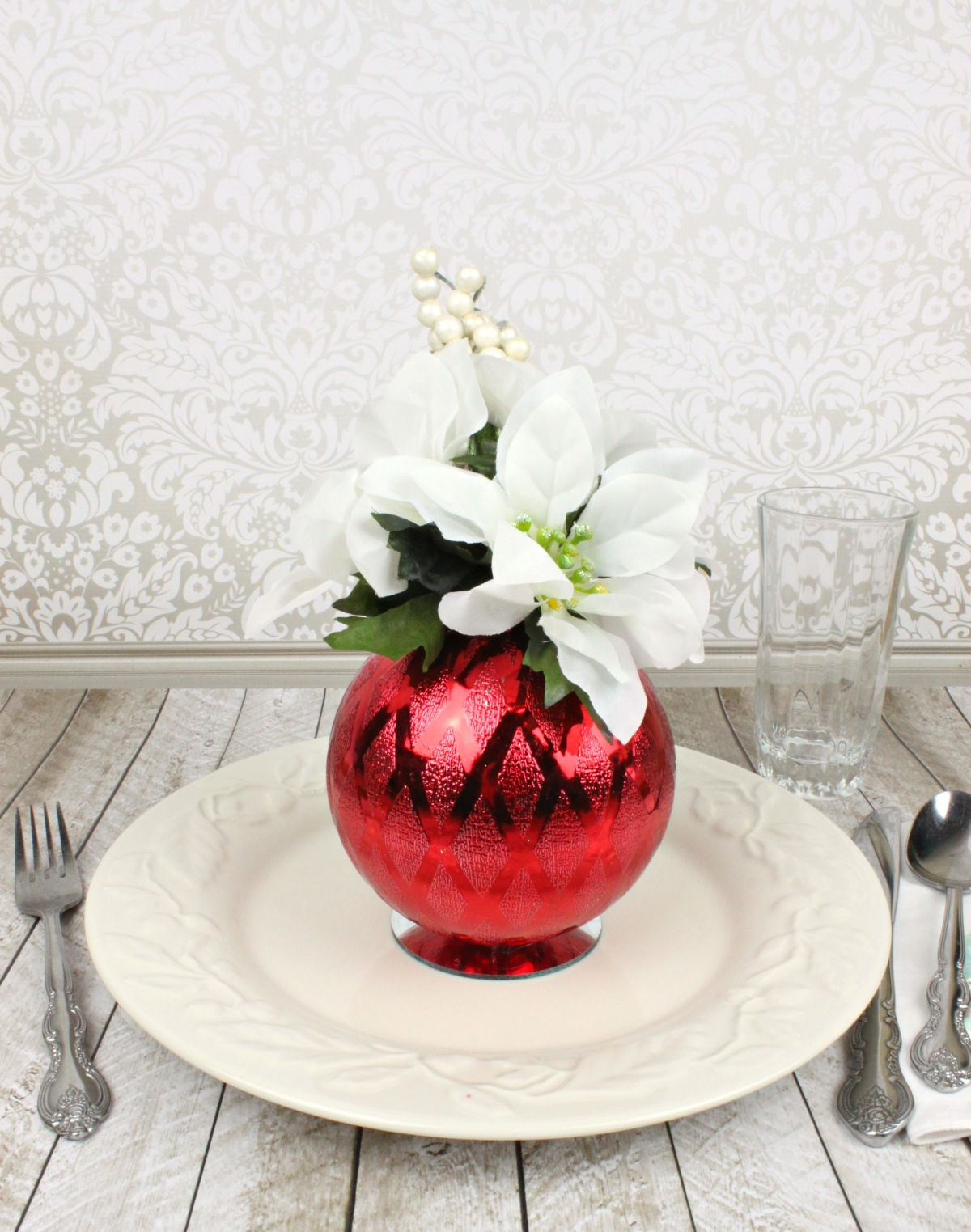 Christmas Ornament Floral Table Decor Red Setting