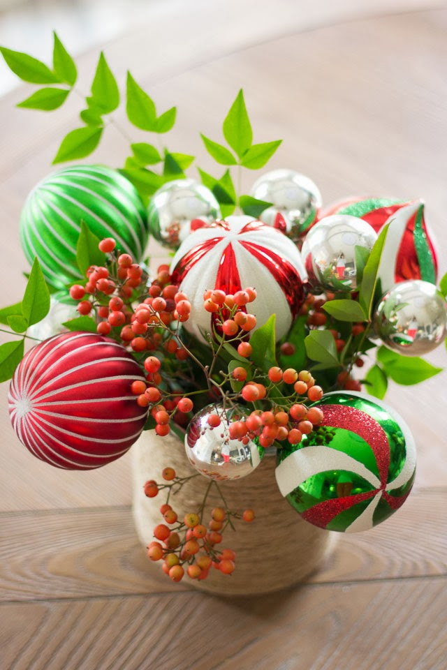 Christmas Flower Arrangements.A Bunch Of Christmas Flower Arrangements Infused With