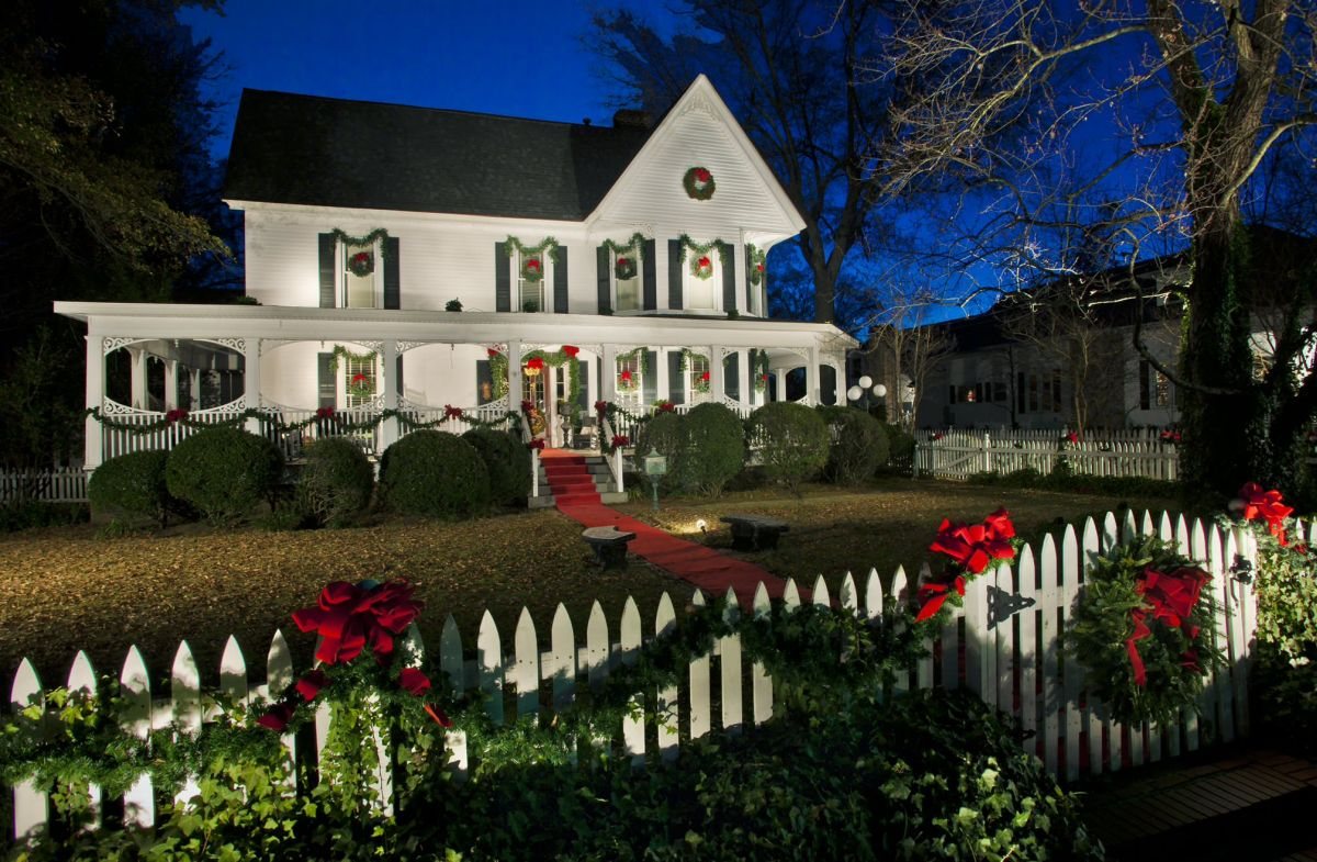 christmas house exterior decoration ideas - Christmas House Decorations