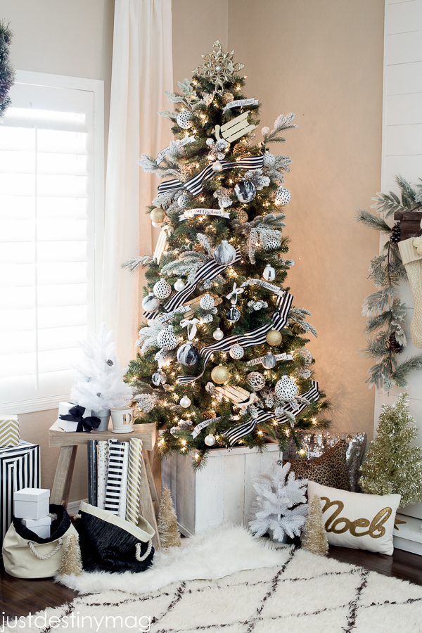 All The Wonderful Christmas Tree Ideas You Need For A Wonderful Holiday images 24