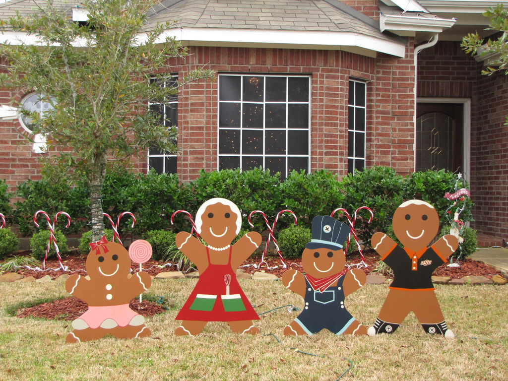 go beyond lights with these 10 christmas yard decorations - Gingerbread Outdoor Christmas Decorations