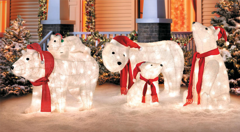 Go Beyond Lights With These 10 Christmas Yard Decorations