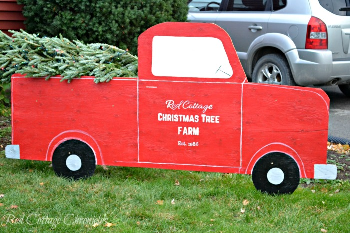 Christmas Yard Decorations.Go Beyond Lights With These 10 Christmas Yard Decorations