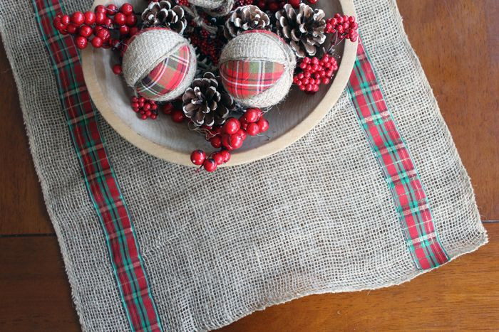 Christmas Table Runner Diy.10 Ways To Diy Your Perfect Christmas Table Runner