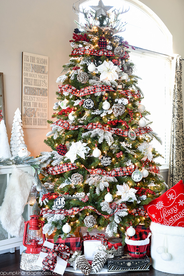 All The Wonderful Christmas Tree Ideas You Need For A Wonderful Holiday images 39