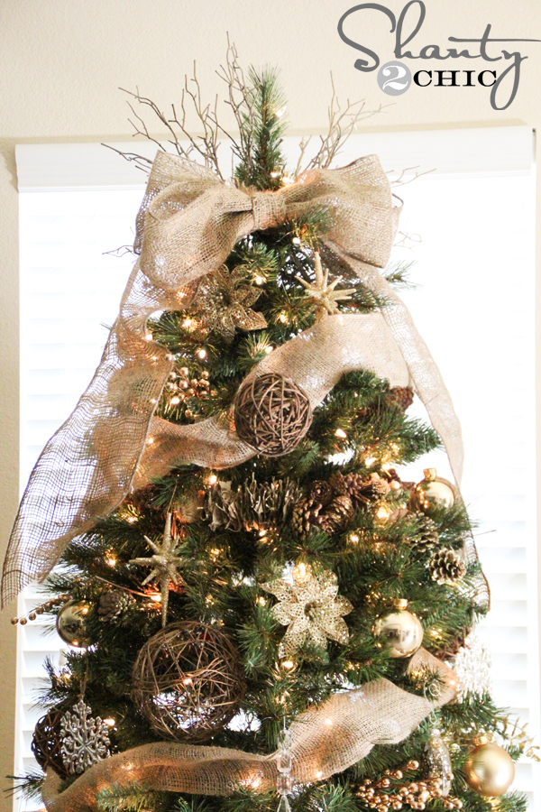 Charming diy decorations for a rustic christmas easy diy tree topper solutioingenieria Gallery