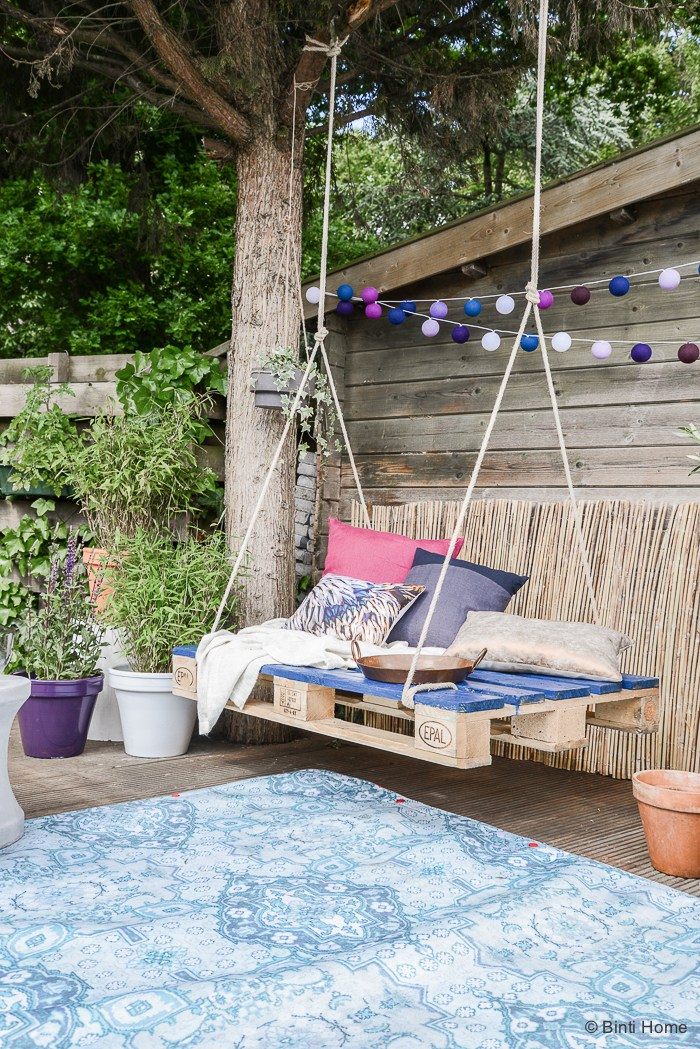 Porch Swing Plans For Wonderfully Relaxing Afternoons images 12