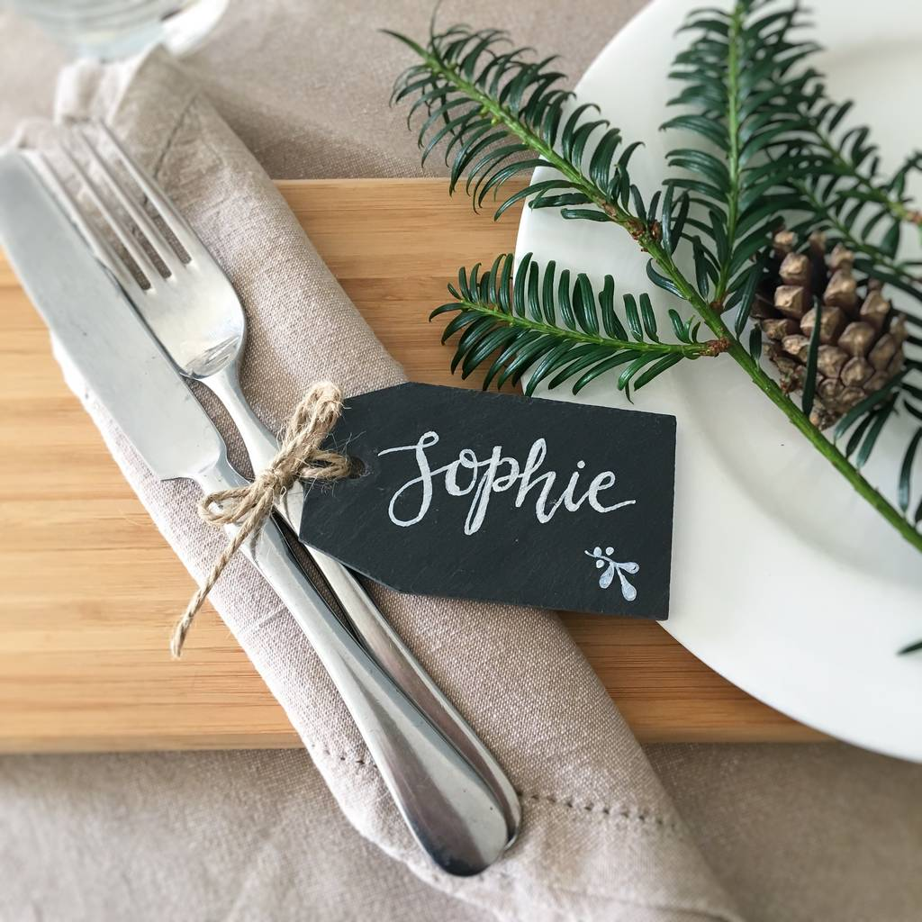 15 Christmas Table Settings to Win You Best Host images 11