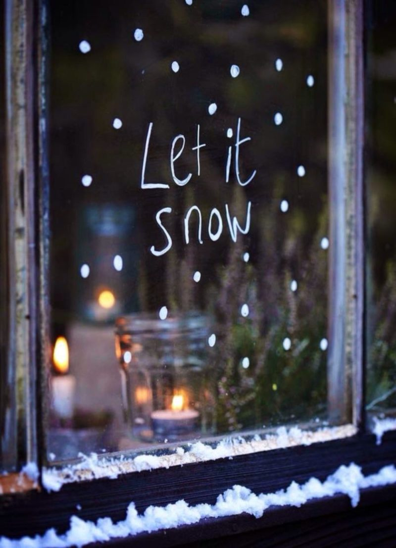25 Christmas Window Decorations for Every Home