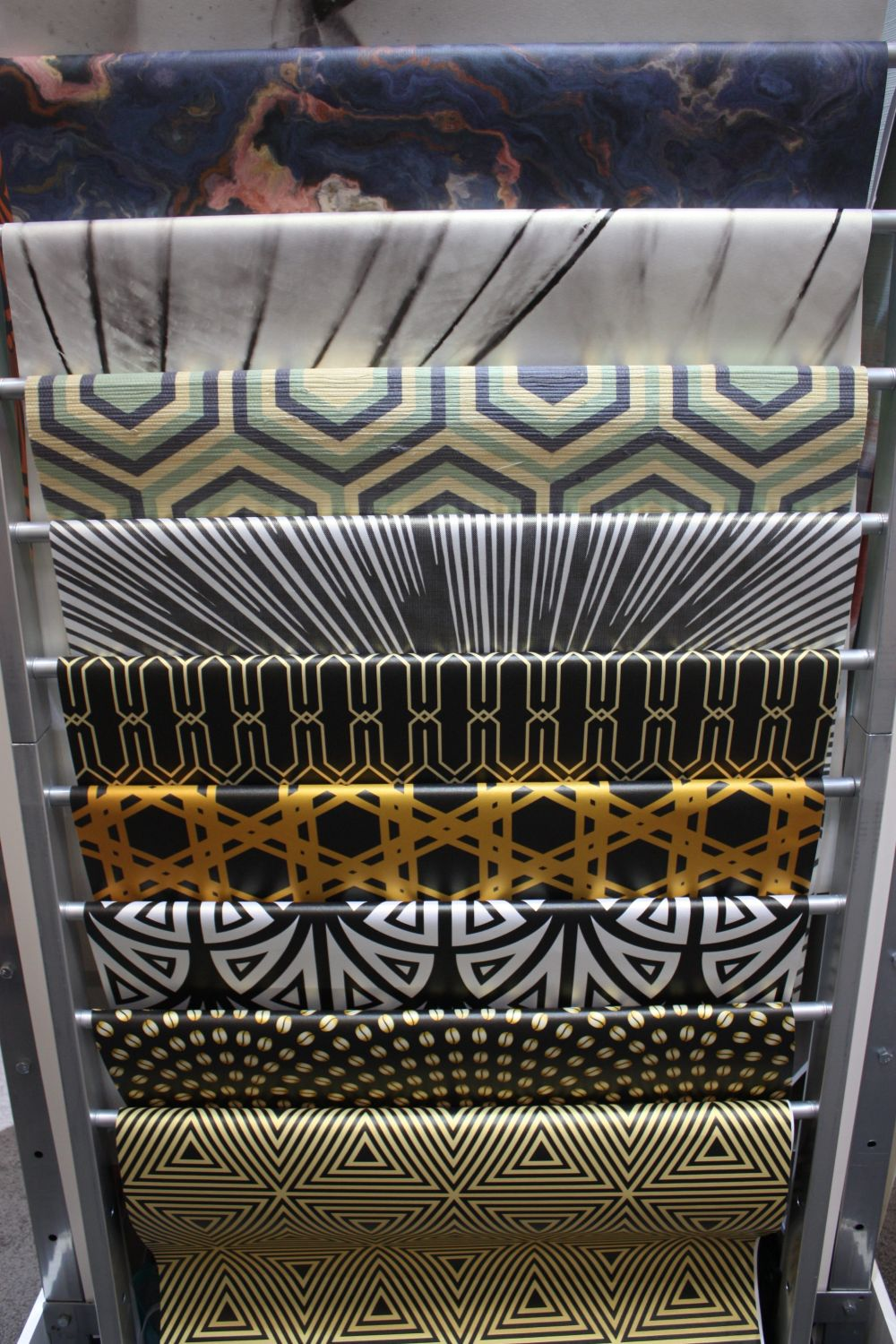 Lookwalls Art Deco collection is dramatic and sophisticated.