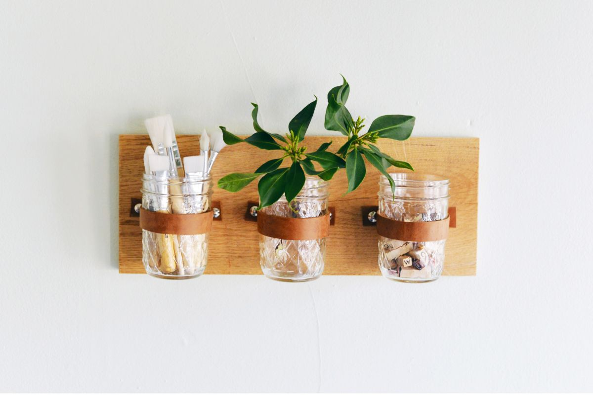 Mason Jar Wall Organizer- DIY gift for mom