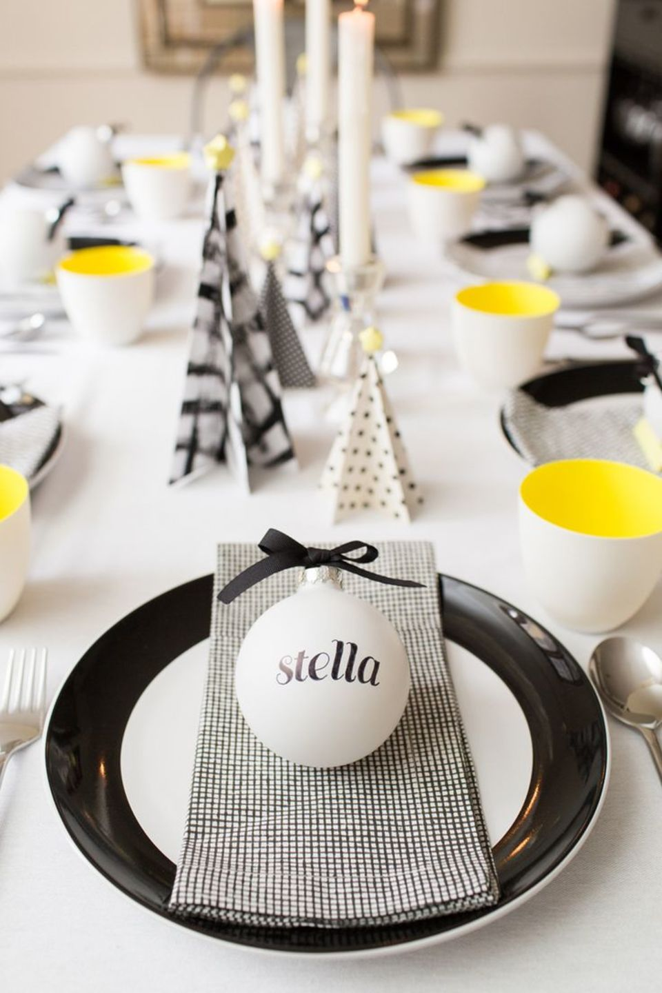 15 Christmas Table Settings to Win You Best Host images 0