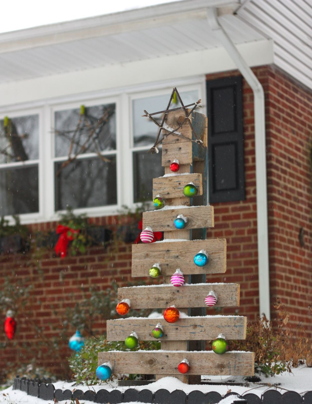 view in gallery - Christmas Yard Decorations