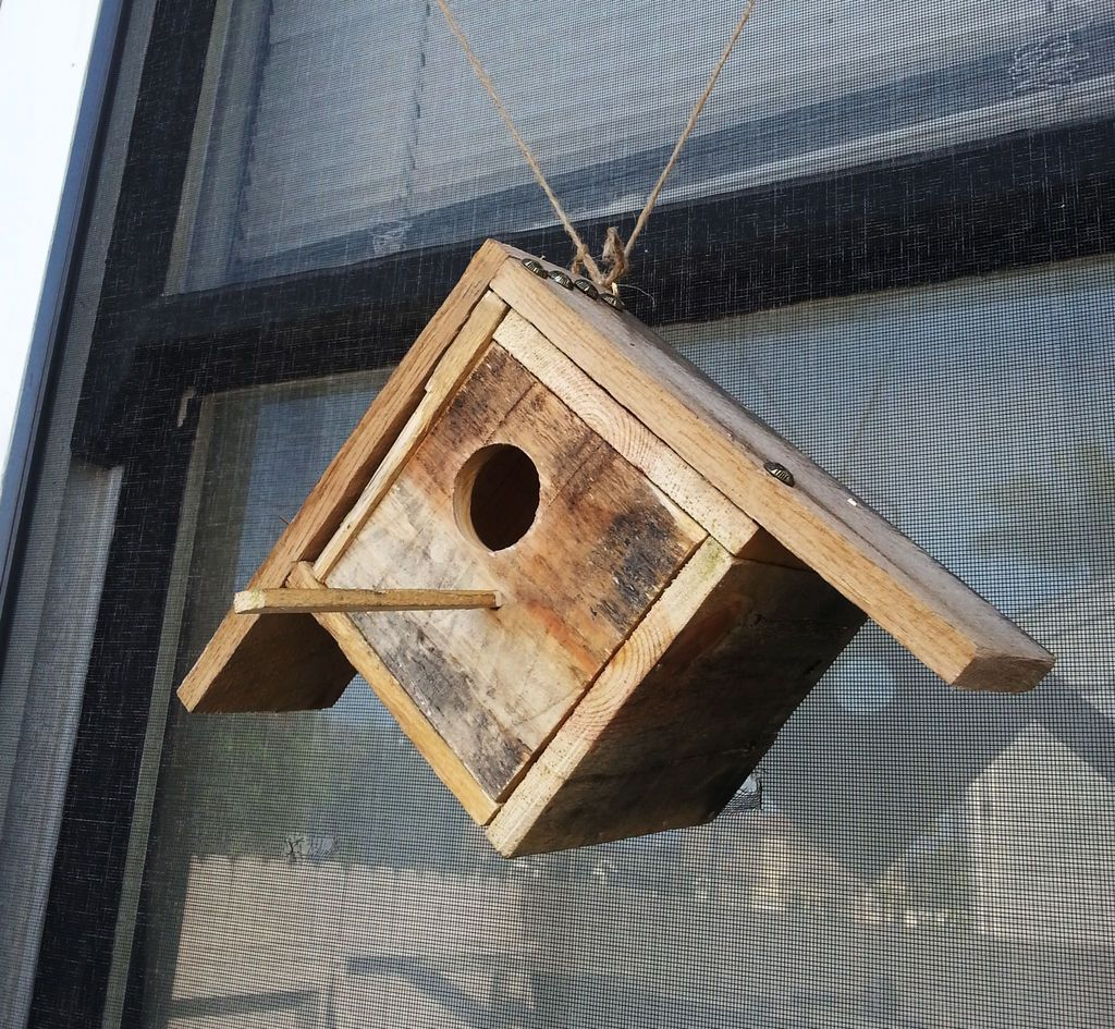 Pallet-birdhouse-DIY Pallet Wood Bird Houses Plans on wooden bird house plans, build bird houses plans, wood pallet birdhouse, diy bird houses plans, wood duck bird house plans,