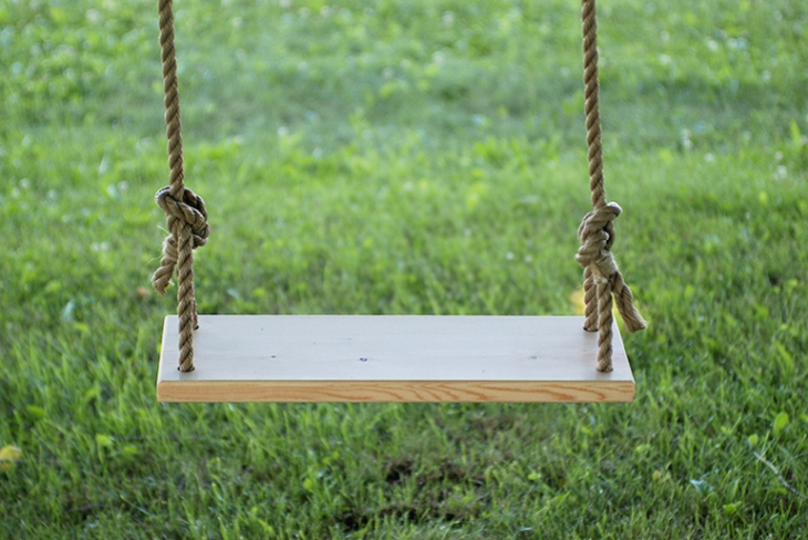 Porch swing plans for wonderfully relaxing afternoons for Rope swing plans