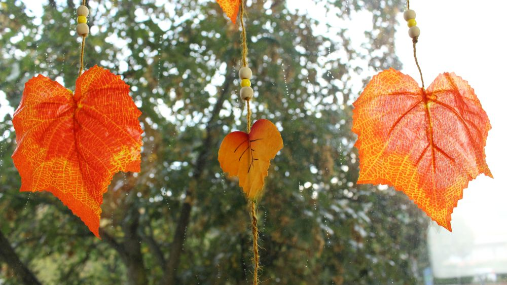 Quick Autumn Leaf Hanging Decoration
