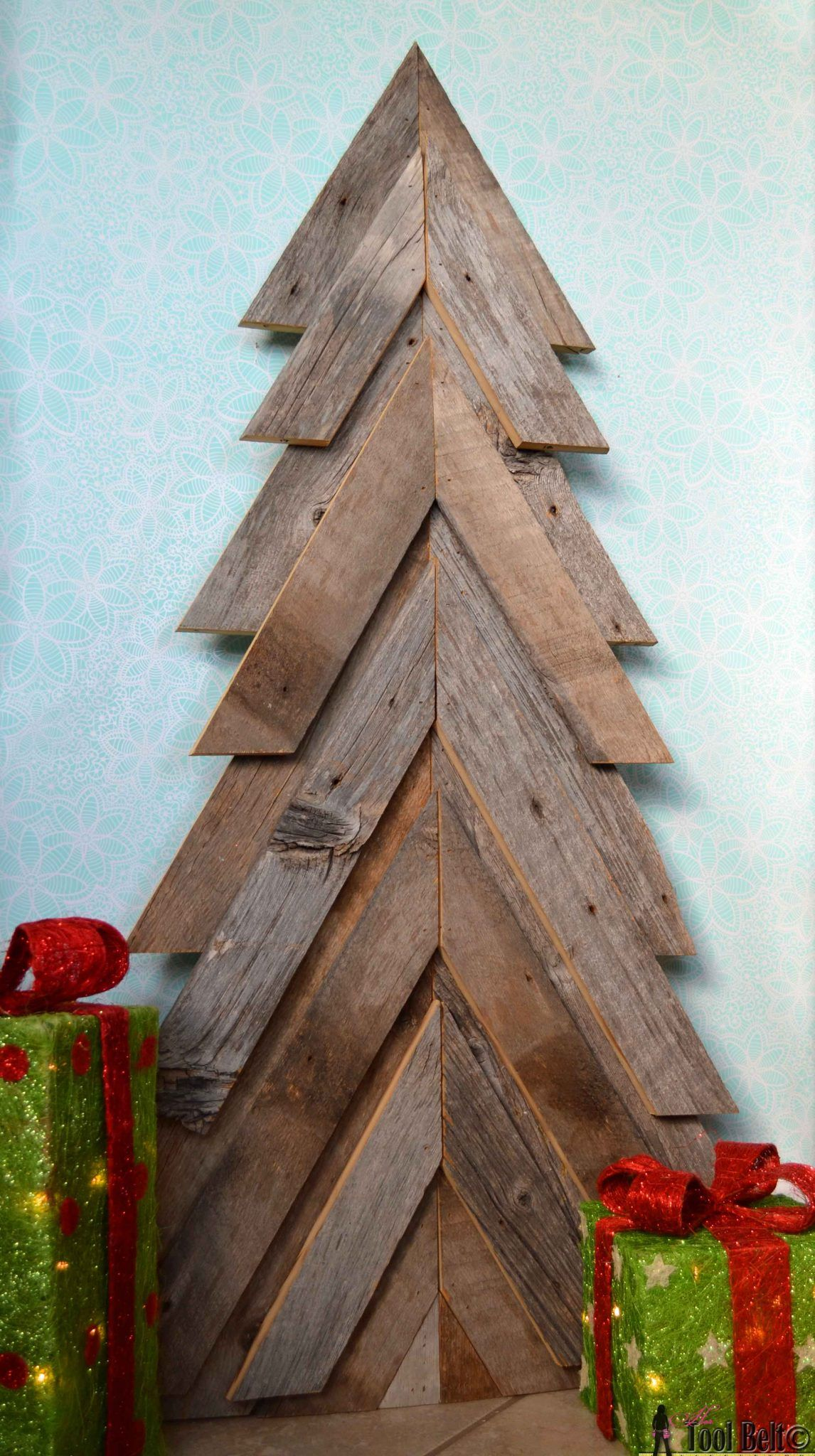 Charming DIY Decorations For A Rustic Christmas images 6