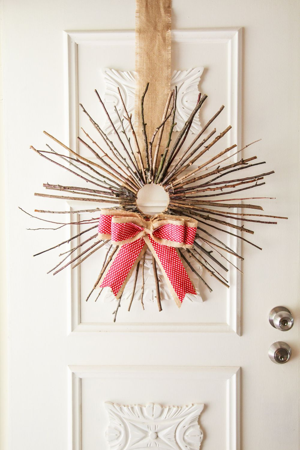Charming DIY Decorations For A Rustic Christmas images 18