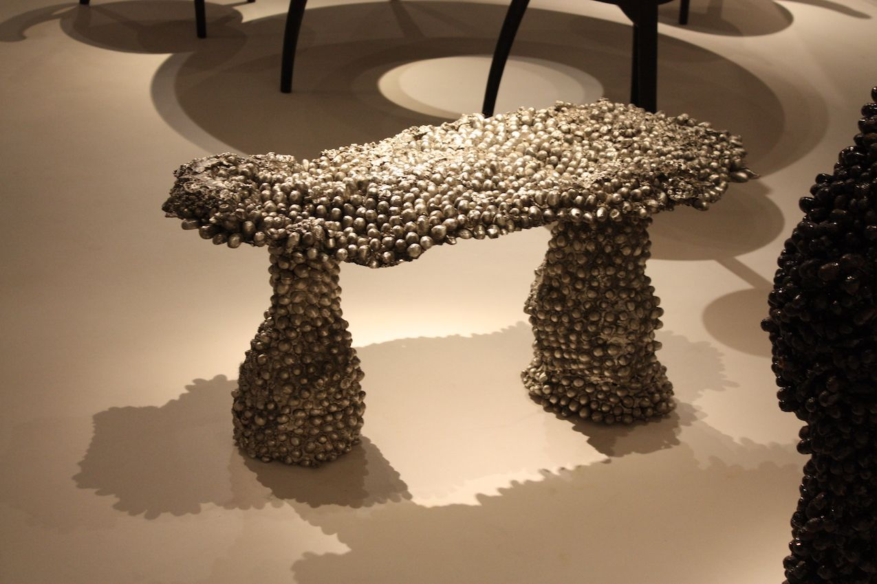 The rounded shapes of the cocoons are perfect for the organic form of the bench.