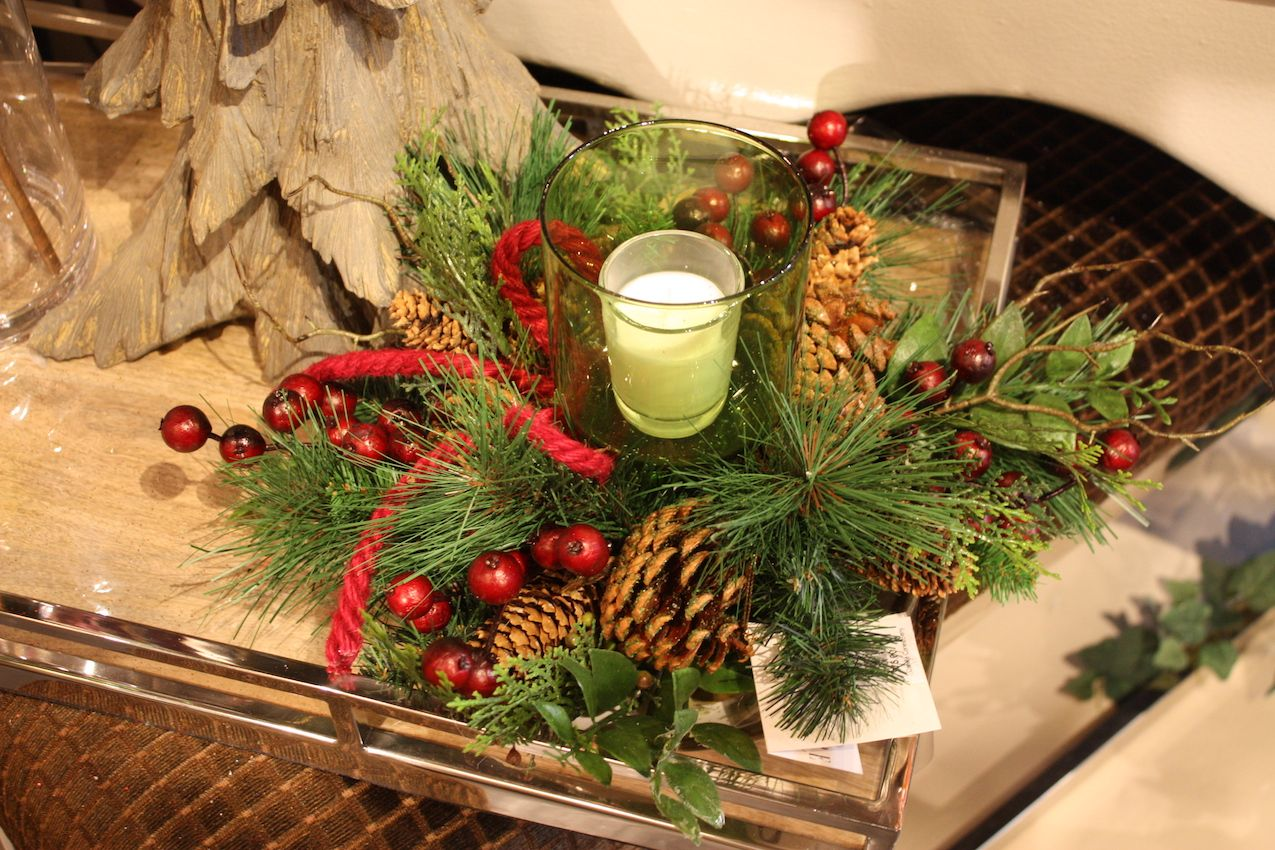 Simple and unrefined, this decor piece is perfect for a casual holiday decorating scheme.