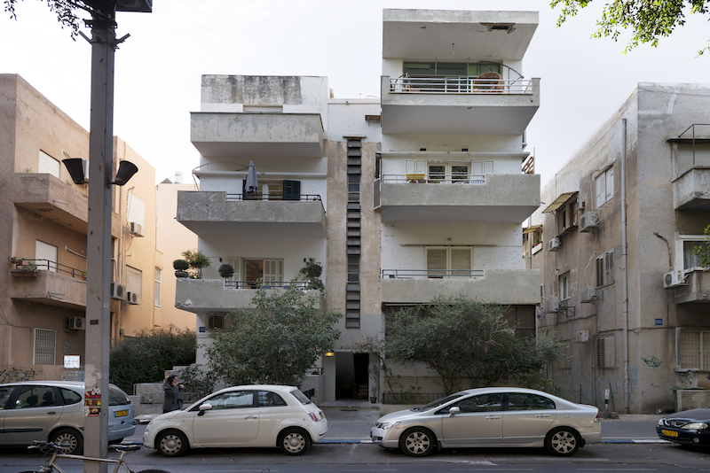 Long And Narrow Apartment Gets A Fresh Remodel In Tel Aviv