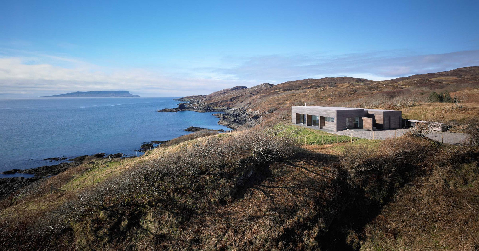10 Waterfront Properties That Speak Nature's Language images 10