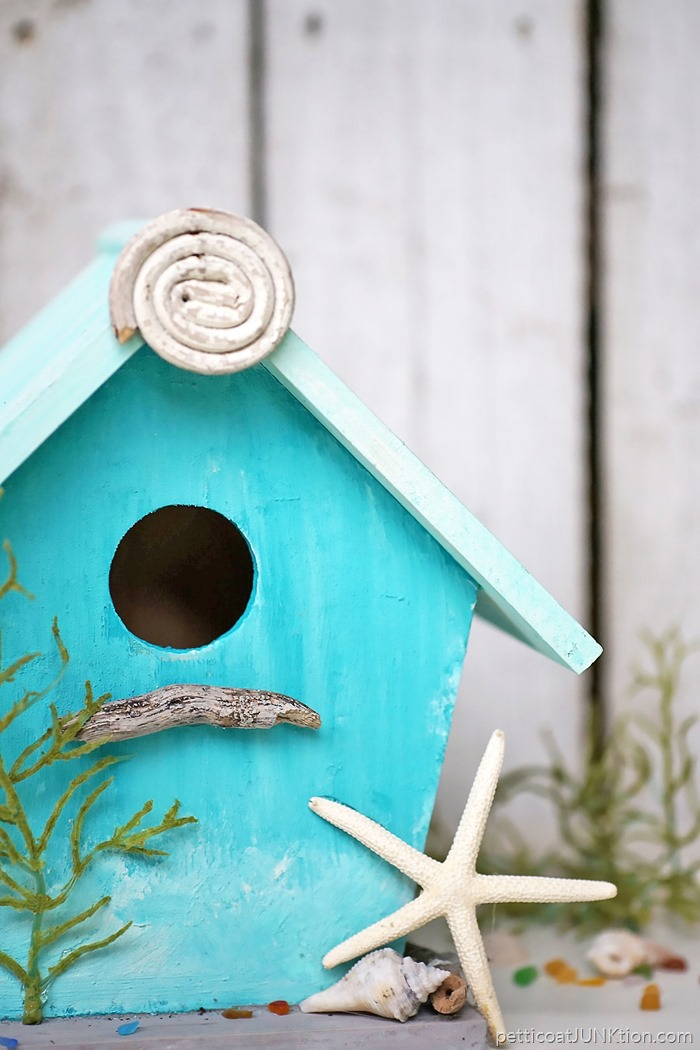 Cute Yard Crafts – Birdhouse Plans With Adorable Designs