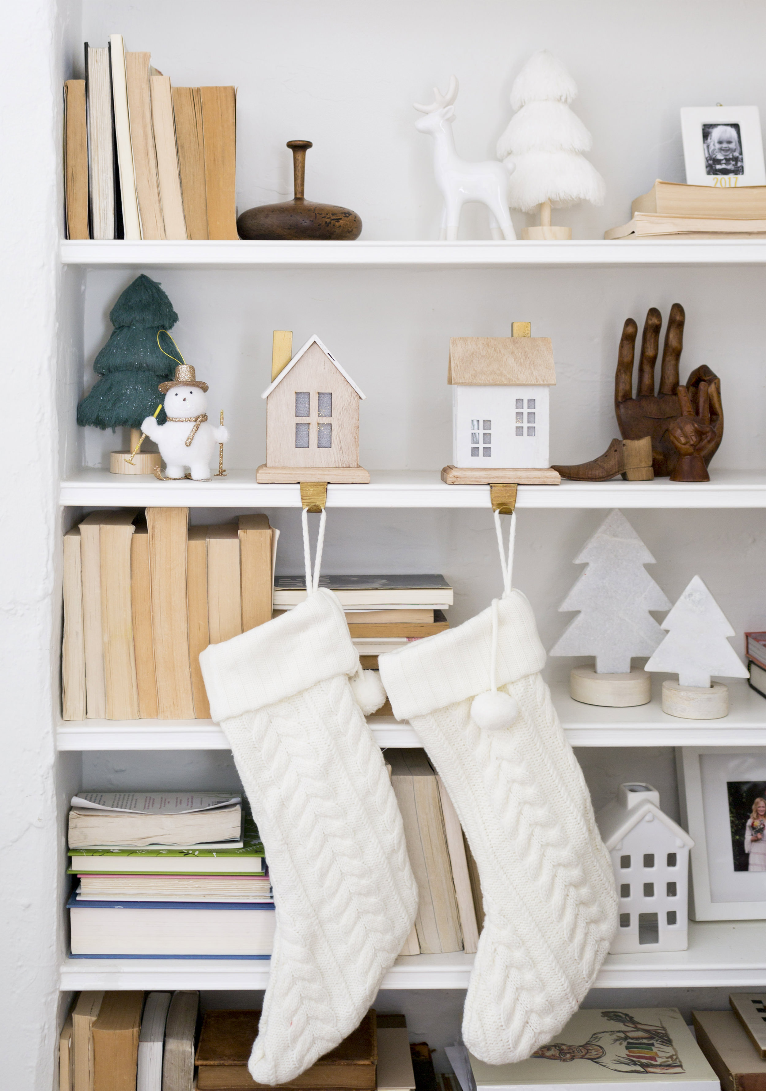 12 Tips for Decorating Your Small Apartment for Christmas images 6