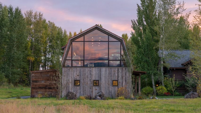 Not everything about this barn is old and weathered, not even when it comes to the exterior design