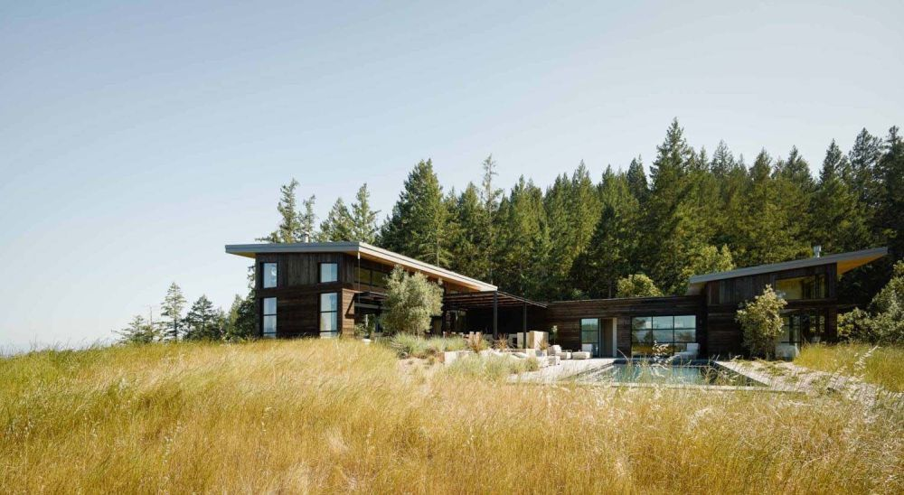 The house is a rural retreat with all the amenities and elements of a modern residence