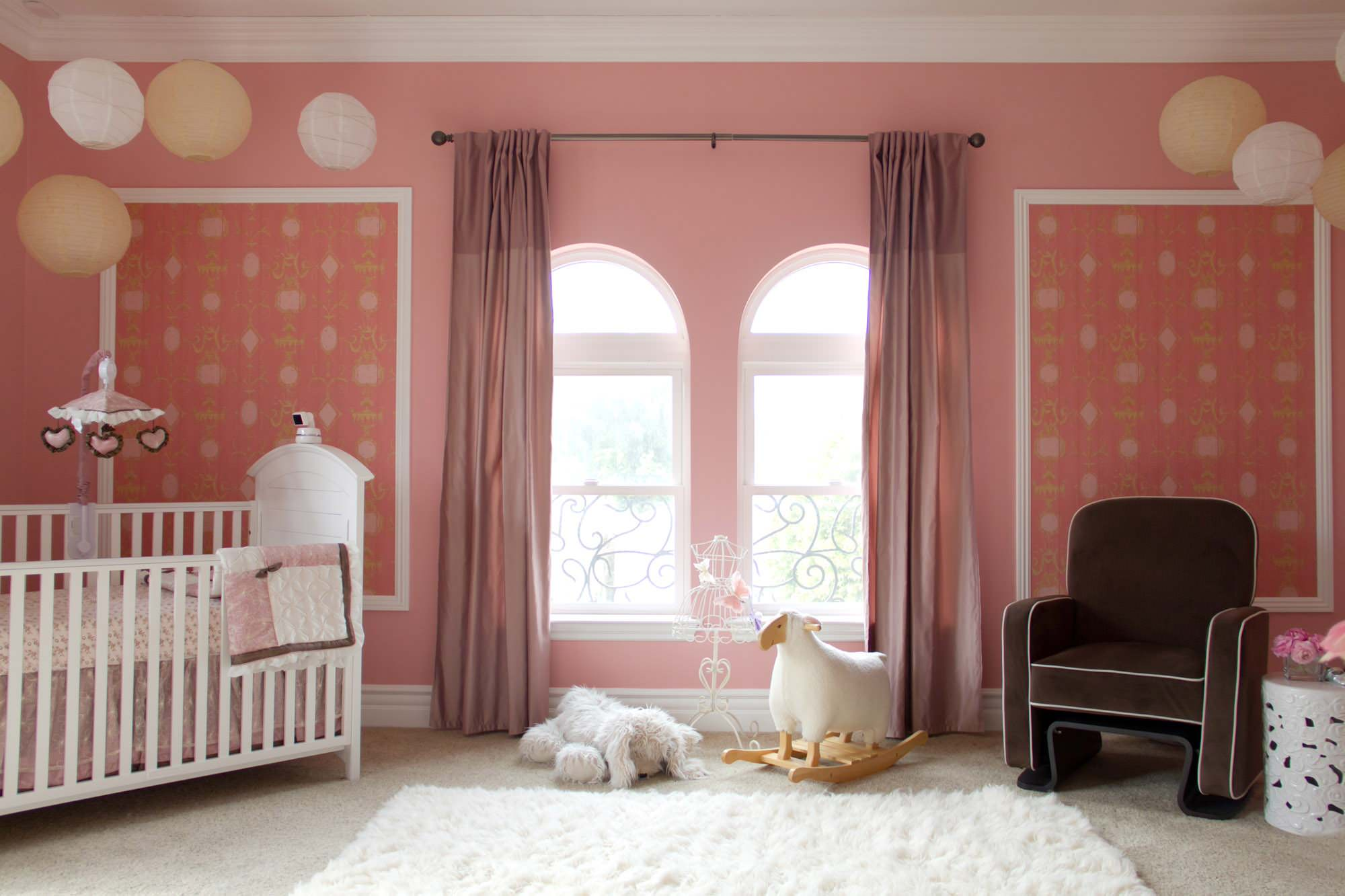 10 Charming Monochromatic Nurseries