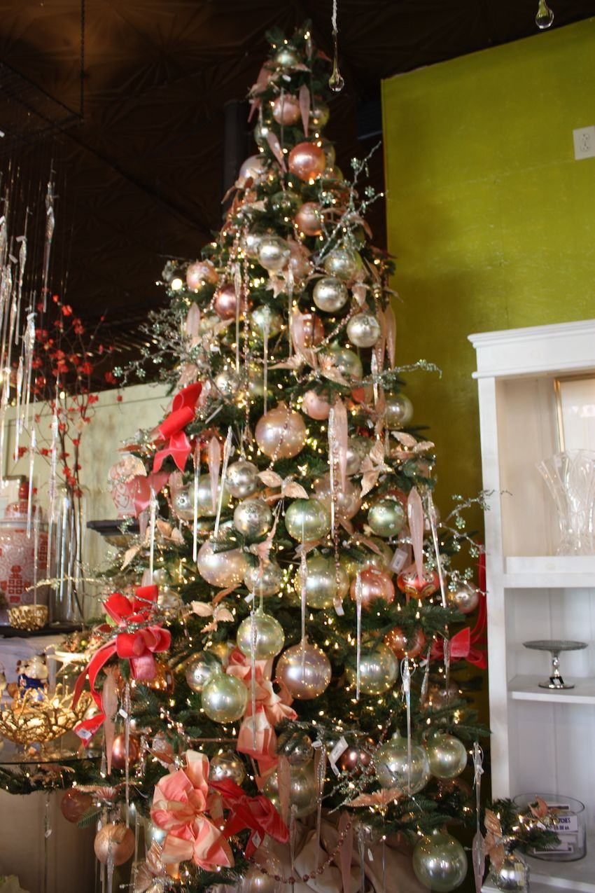 Colorful Christmas Tree Decorations.Christmas Tree Decorating Ideas For All Kinds Of Tastes