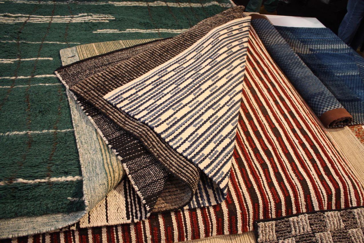 Amala Rugs ist ein Familienunternehmen mit sechs Generationen, das Teppiche in Toronto entwirft und verkauft.