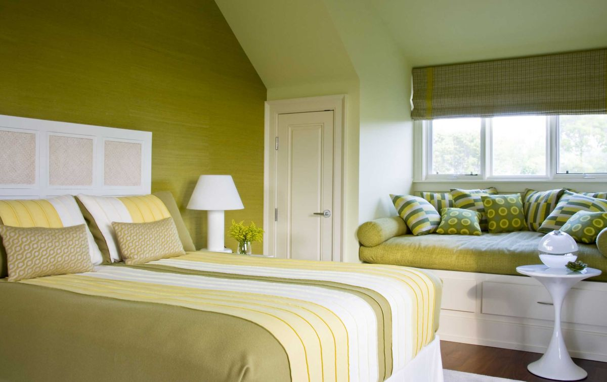 How to Use Analogous Colors in Your Bedroom