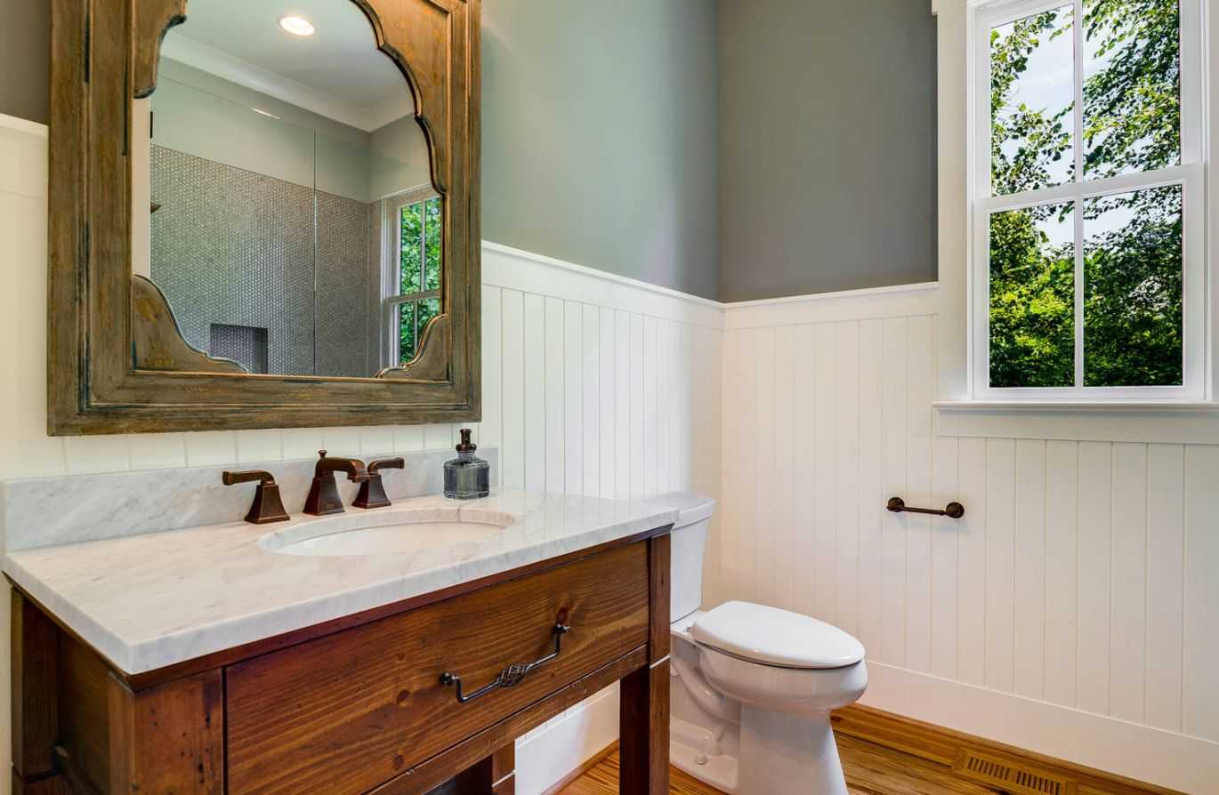 white wainscoting bathroom bathroom wainscoting what it is and how to use it 15165
