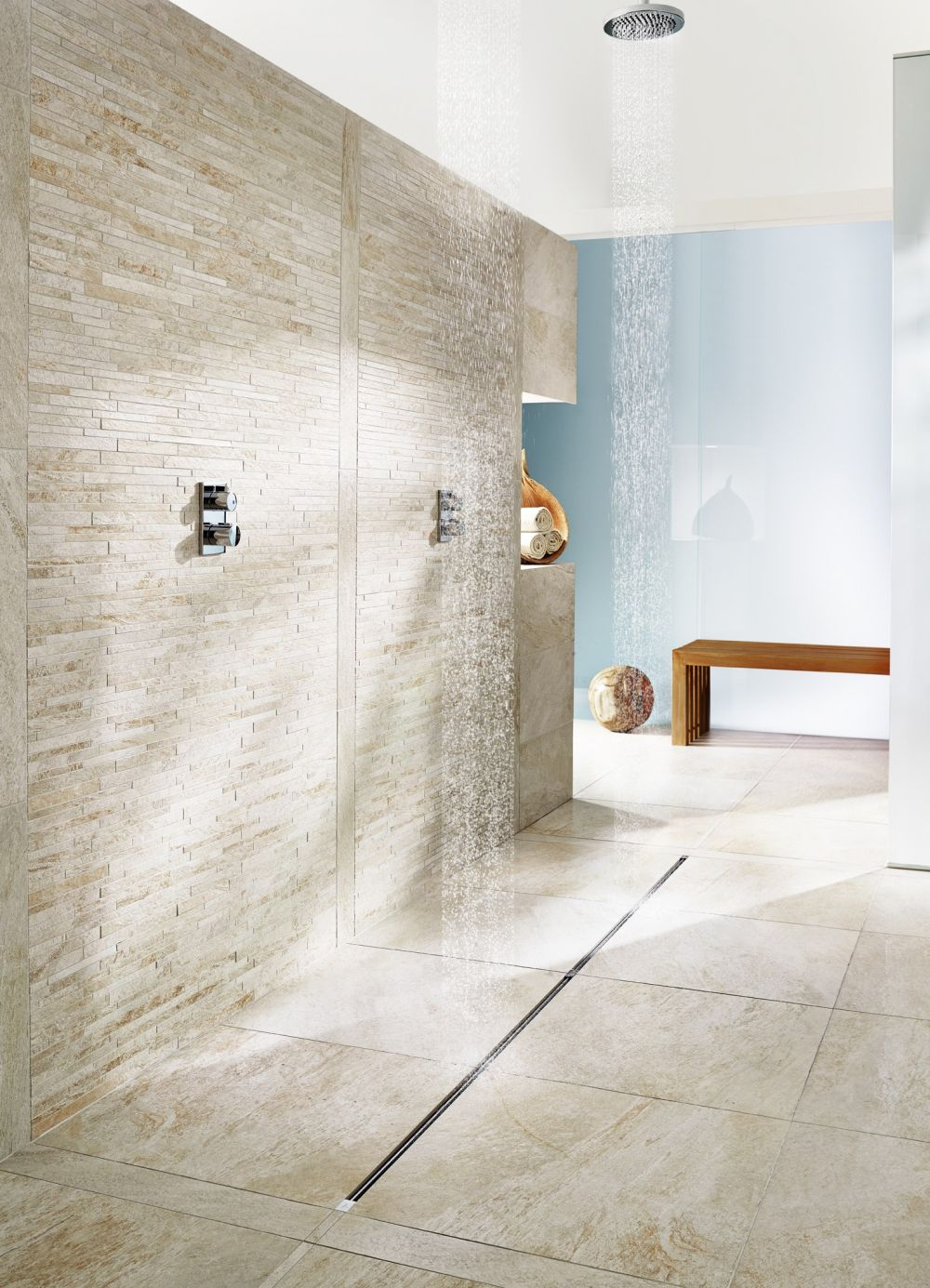 Slim and modern shower drain systems for the minimalist in you for Carrelage slim tile
