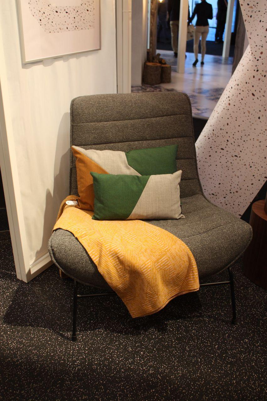 Neutral Polsterung ermöglicht es Ihnen, diesen Stuhl überall im Haus zu verwenden.