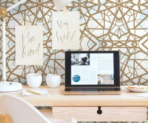 The Surprising Versatility Of Gold Wallpaper Captured In Images