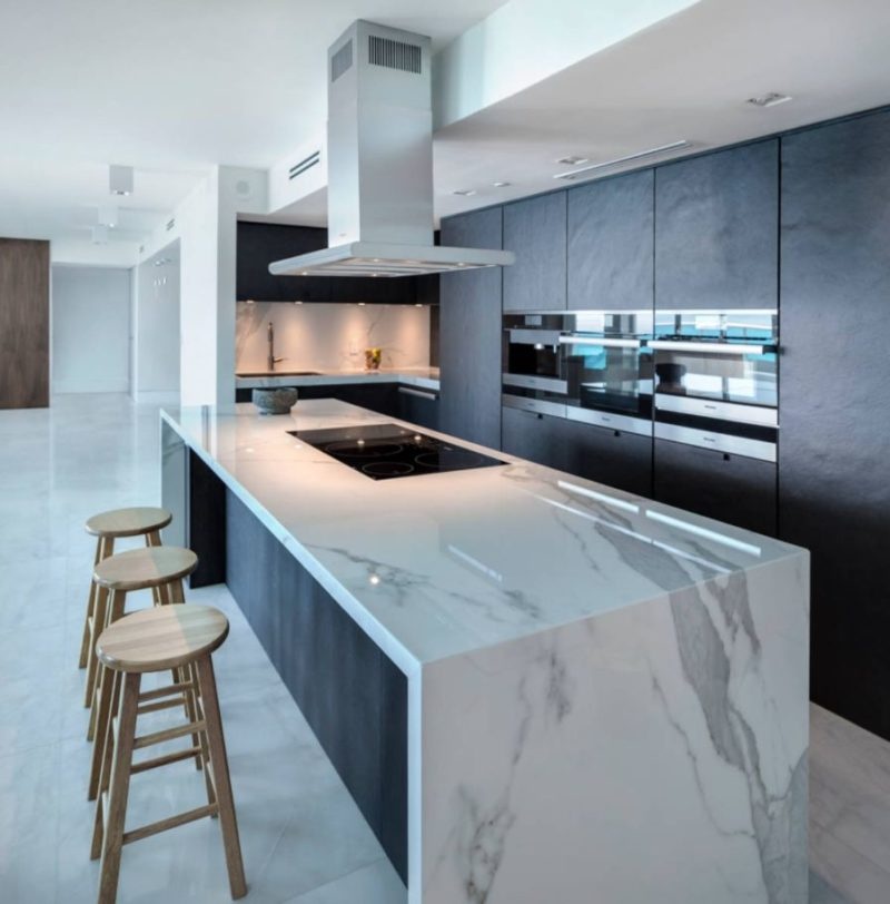Keep Up With The Waterfall Countertop Trend – Looks That Inspire