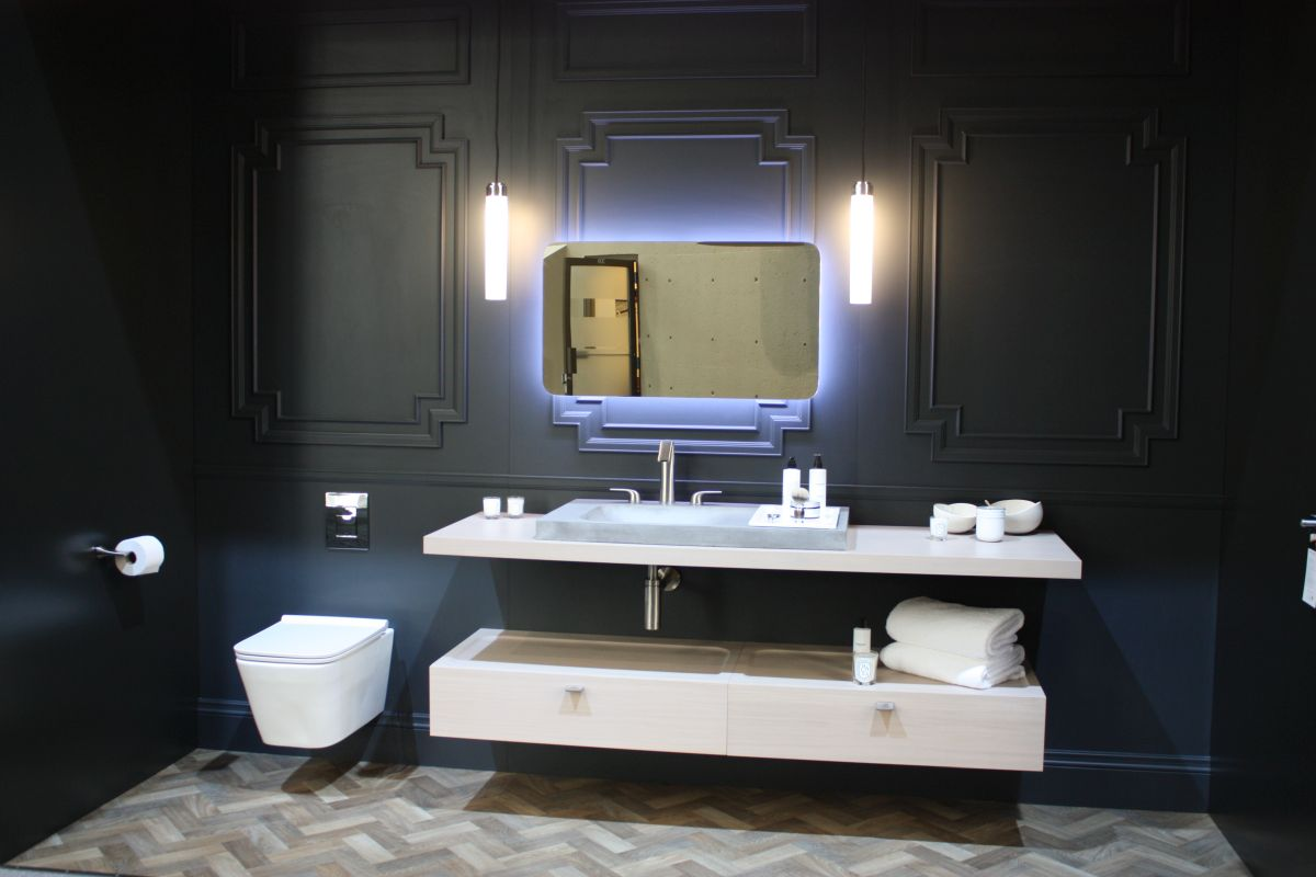 Awesome Ways To Lower Your Bathroom Remodel Cost Beutiful Home Inspiration Semekurdistantinfo