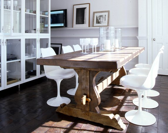 Farmhouse Tables Can Fit With Any Décor