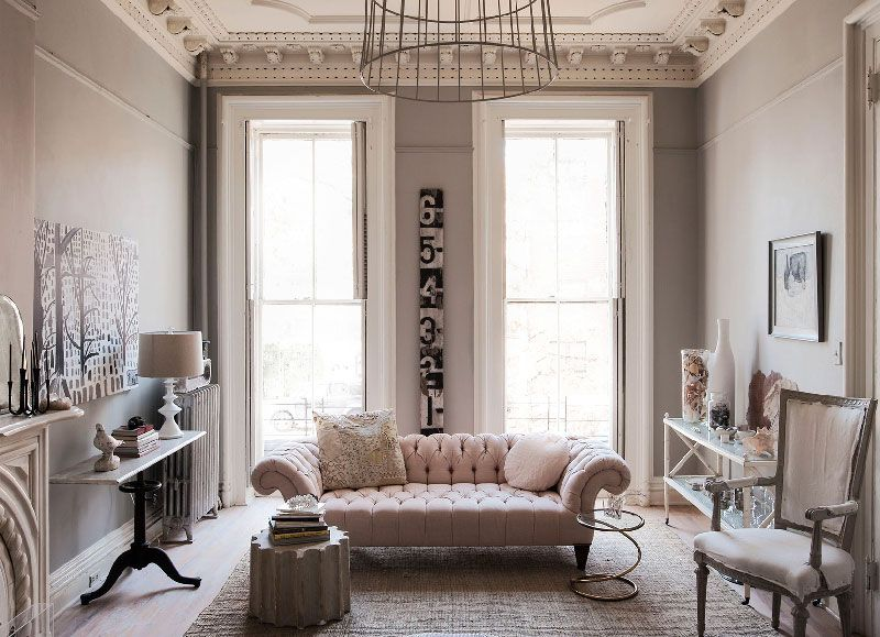 Feminine living room interior design hilary robertson 39 s for Home designs and interiors