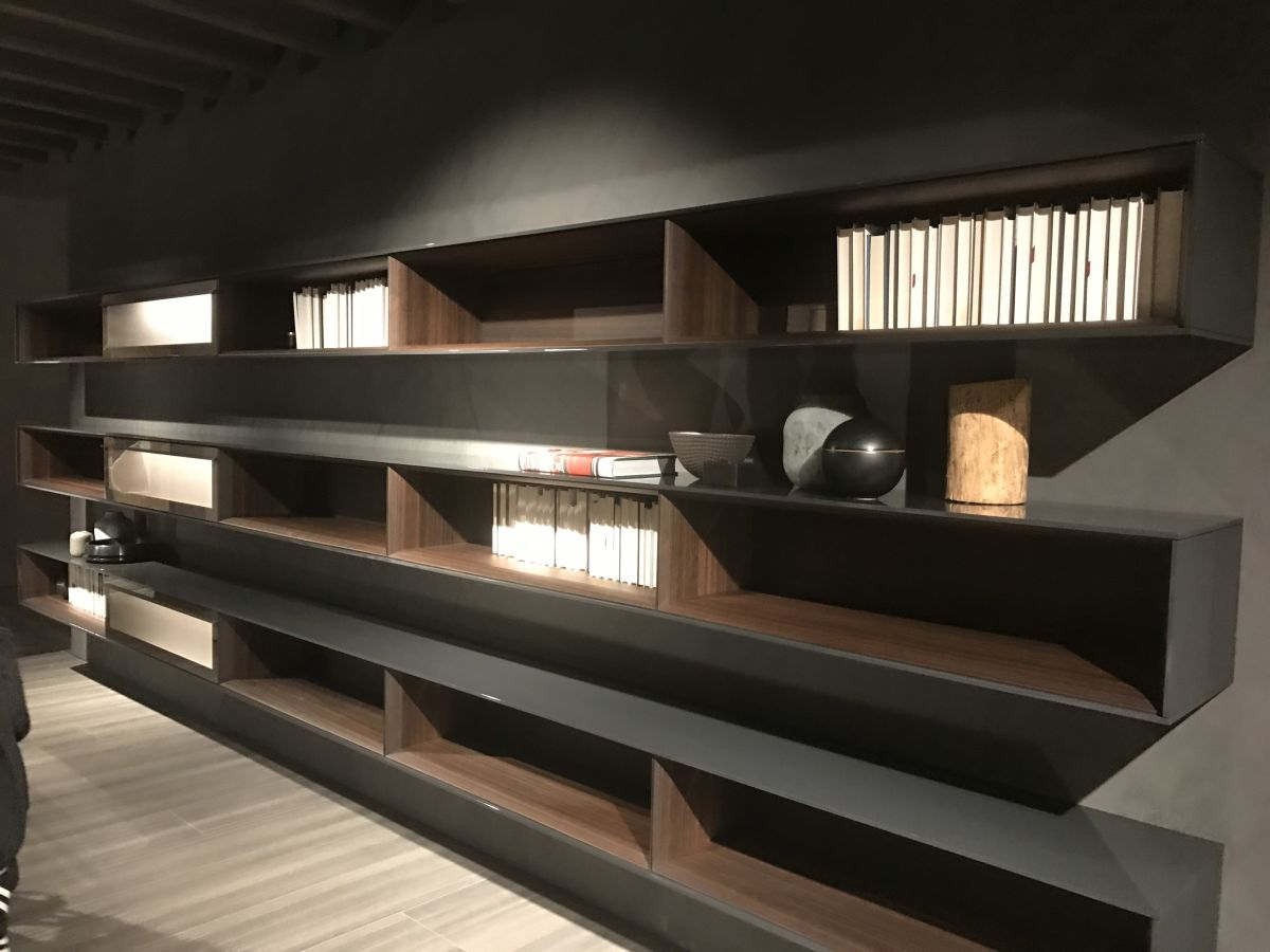 This type of box shelves actually offers two storage surfaces, one inside the module and one on top of it