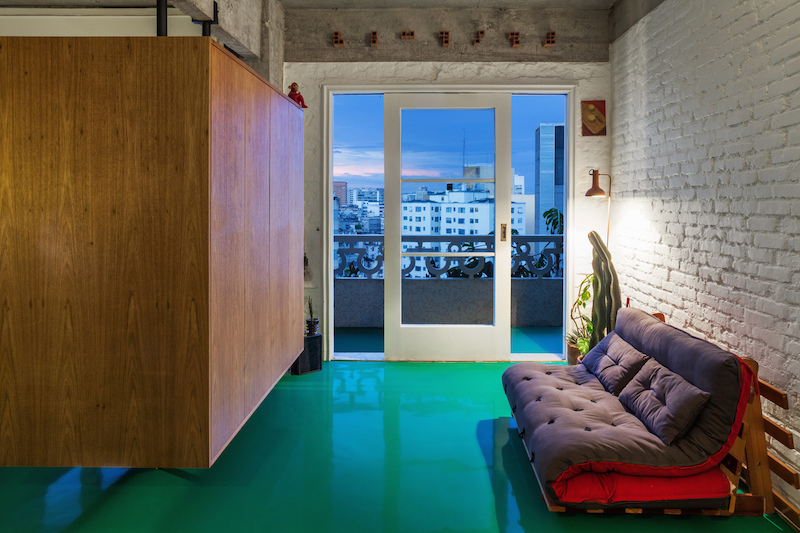 With a total interior area of only 46 square meters, this apartment is not exactly...at least not in theory