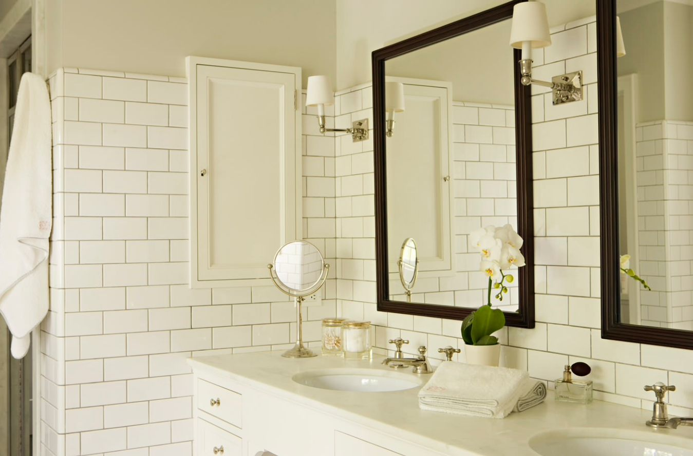 If you want, you can extend your bathroom backsplash beyond the usual proportions. You can extend it all the way up or down