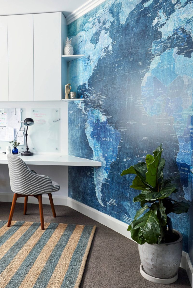 10 Wall Decor Ideas to Take to The Office