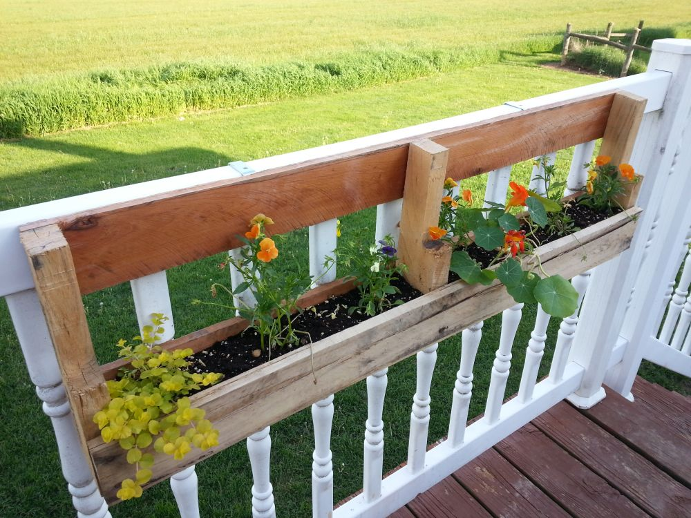 DIY Planter Box Ideas To Welcome Spring And Summer With