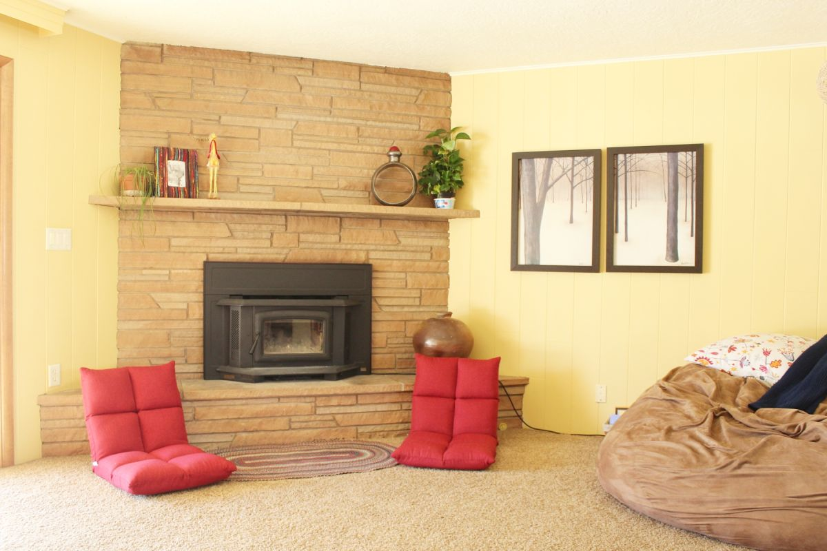 How to Decorate a Small Living Room with Style