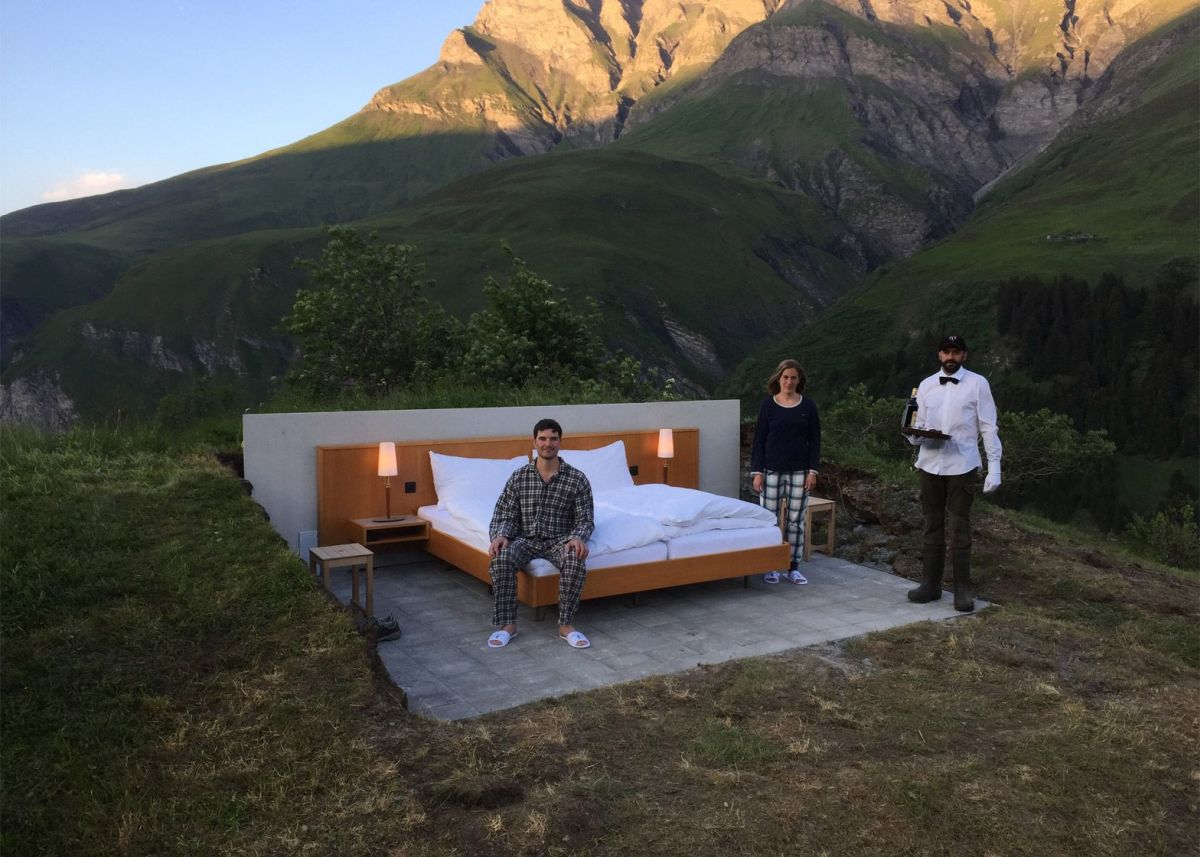 Null stern the swiss alps room hotel design home for Hotel bedroom designs